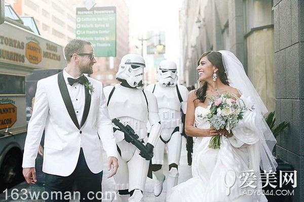 谁说结婚要正儿八经? 来场星际大战婚礼