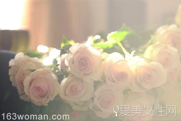 浪漫花海般的创意婚礼 高端玫瑰品牌roseonly为你亲自打造
