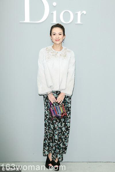 今年纱裙就是流行冬天穿,穿上它继续做小仙女!